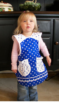 1940 Sky blue/white poka dot child apron, click for more child aprons and larger view