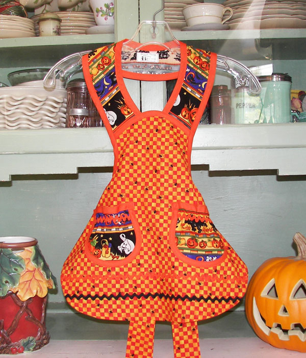 1940 Child Halloween Aprons