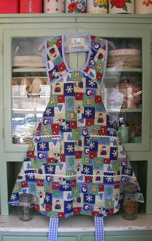 1940 Apron in Christmas Spirit
