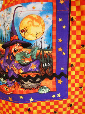1940 close up halloween pocket