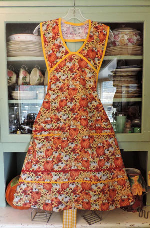 1940 Old Fashioned Pumpkin Apron
