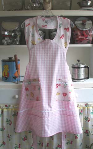 1940 Pink gingham all in the kitchen, click for more