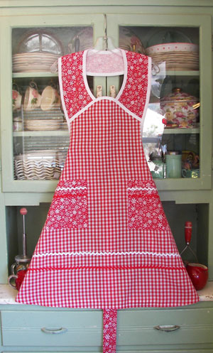 1940 in Red gingham and red snowflake