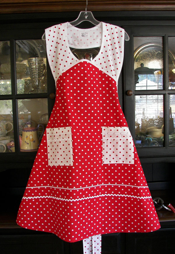 1940 Red poka Dot White Poka Dot Apron