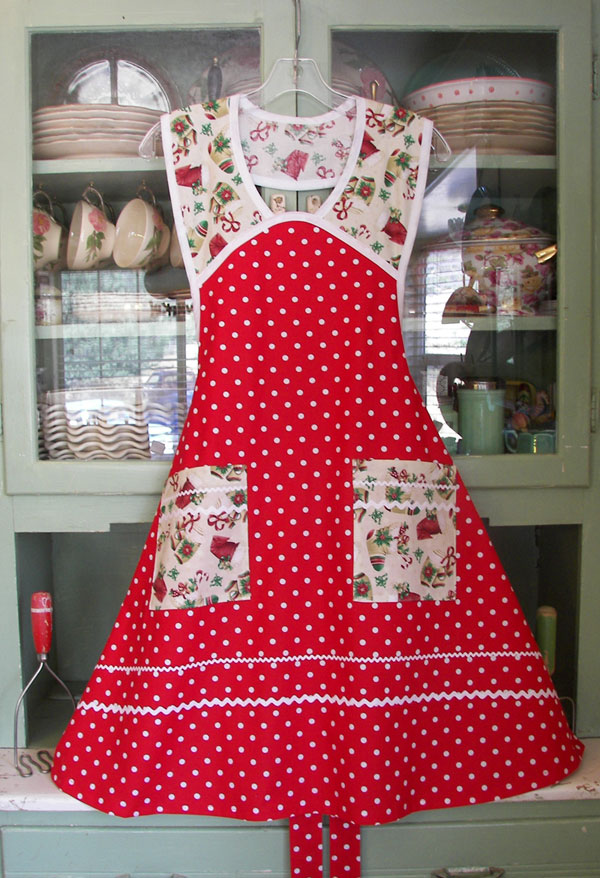 1940 Red Polka Dot, click to go back to 1940 Aprons