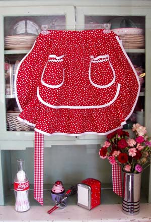 1943 Retro Red poka dot half apron