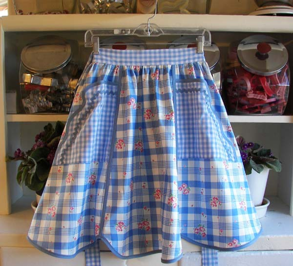 1944 Old Fashioned 40's apron