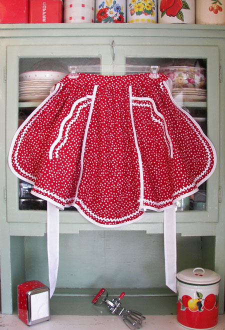 1944 Retro Red Polka Dot Half Apron