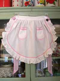 1943 Ruffle White Girl apron