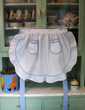 1948 Ruffle White half apron with blue trim