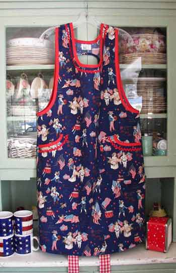 Aunt Violet Old Fashioned USA apron