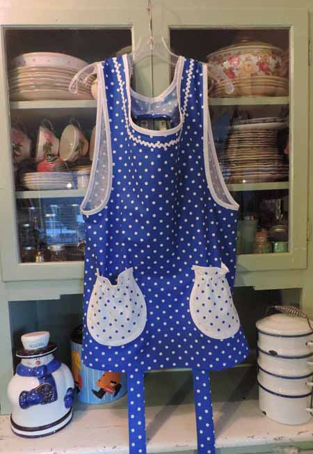 Grandma apron in blue polka dot