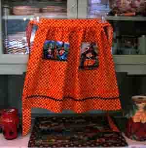 Hokus Pokus orange yellow Halloween half apron