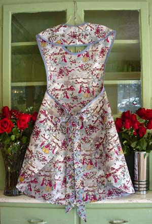 "Rose ""Old Christmas Village"" apron back"