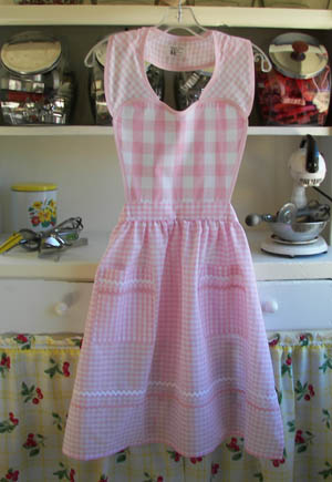 Pink gingham heart apron