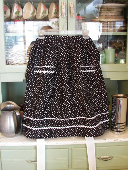 Retro Black Polka Dot Half Apron