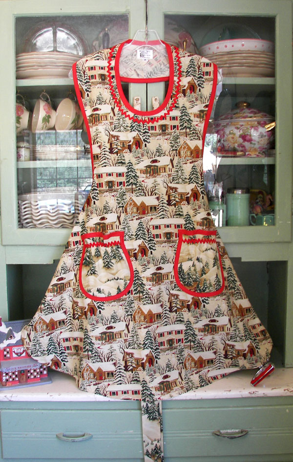 Rose Old Time Village Christmas, clilck to go back to Rose apron, click to go to more rose aprons