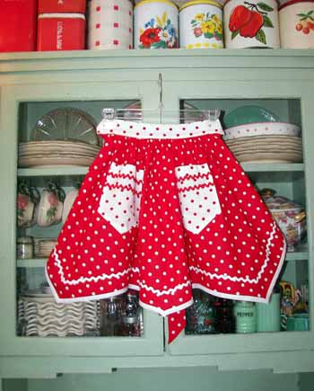 Victory Half apron Red / White Polka Dot