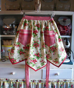 Victory Strawberry Apron, click for more victory half aprons
