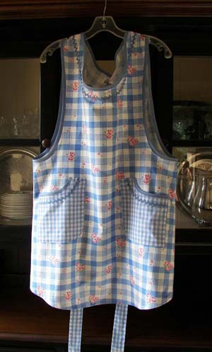 Violet apron in Old Fashioned Blue 40's