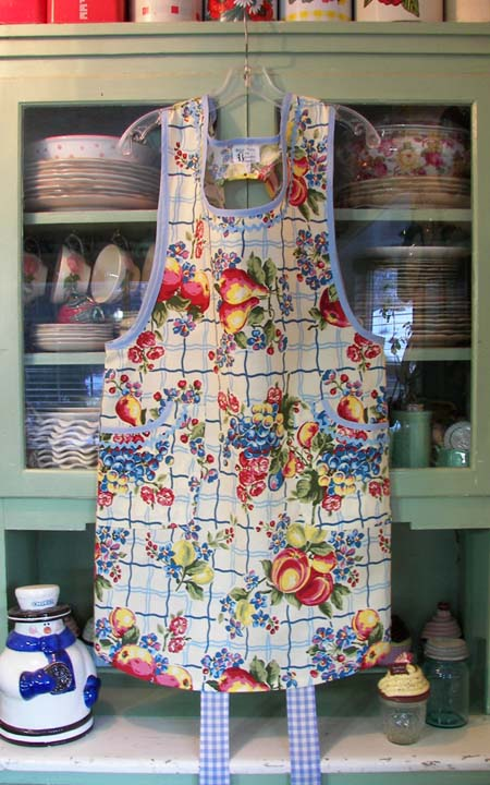Aunt Violet in Old Home Fruit, click for more Violet style aprons